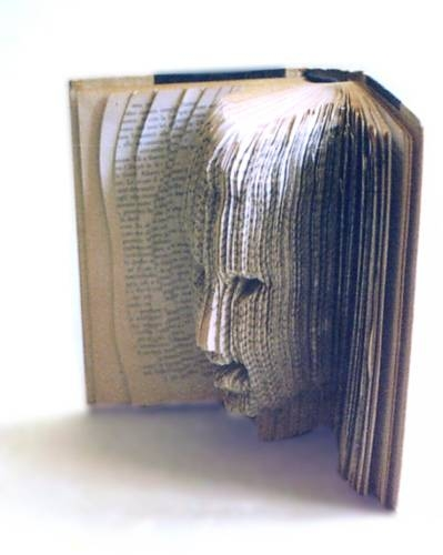 Libro-con-testa.jpg
